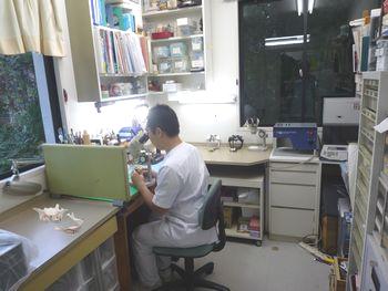 横浜の歯科・歯医者 横浜山手デンタルクリニック(横浜山手歯科医院)の歯科技工室と歯科技工士