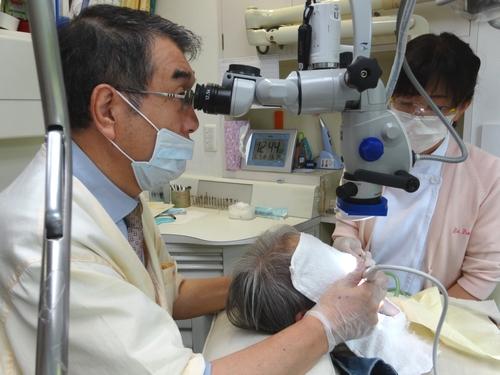 横浜山手デンタルクリニック 手術用顕微鏡を使用した治療